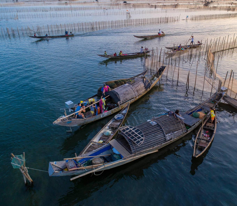 Đón bình minh cùng ngư dân trên Đầm Chuồn ở Huế